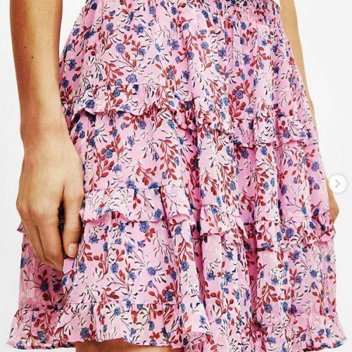 New Arrival 🤍 Wir haben schon super schöne Mini Röcke bekommen, die ihr sowohl sofort, als auch im Herbst mit Boots (Trendthema) und Strick tragen könnt! Ein paar Größen sind noch verfügbar…. Kommt vorbei 🛍💖